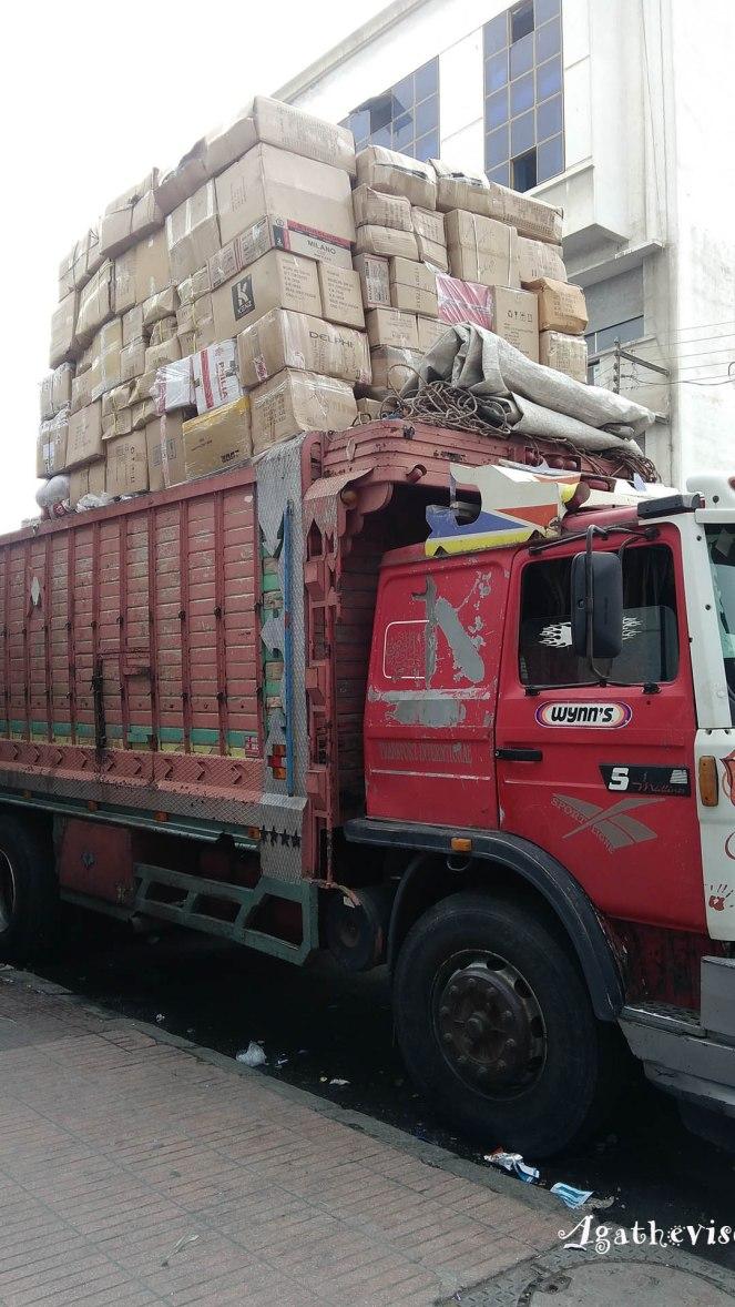 2017MA0107-Casablanca-Camion surchargé
