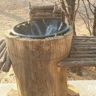 2016NA1454-Madisa Camp-Camping lavabo